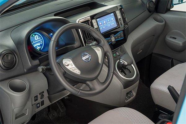 Nissan E NV200 innen