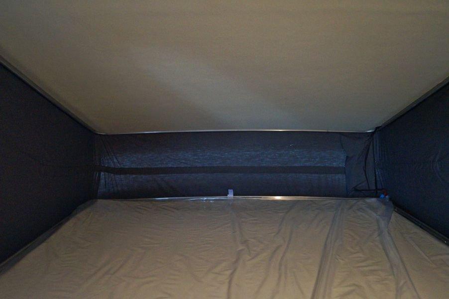 Blick ins Dachbett