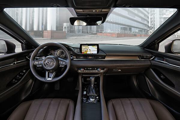 Mazda6 Interieur braun