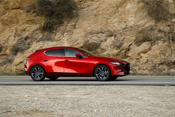 Mazda 3 rot Modell 2019